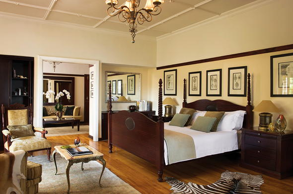 Camps Bay Retreat has luxurious suites.