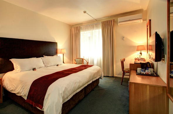 Spend the night in comfort in the Standard Double Room.