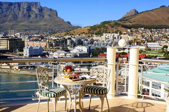 Dine on the deck with lovely views of the harbour and city.